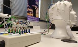 Interfaces home-màquina: La comunicació entre el nostre cervell i un ordinador.