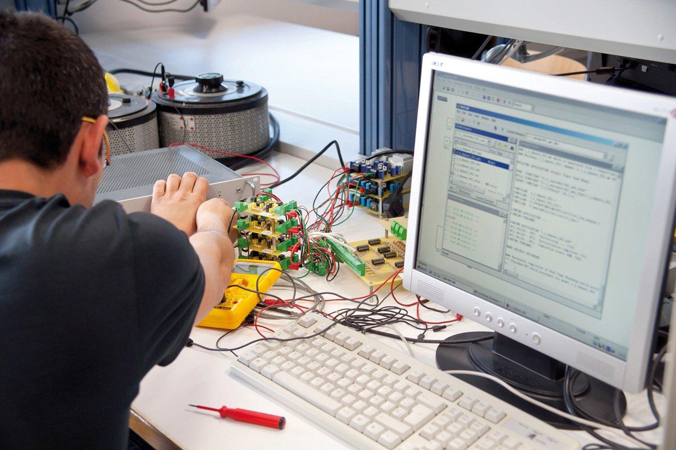 Màquines elèctriques i automatismes de control de motors