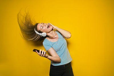 Com la tecnologia i la música poden millorar el rendiment de l'aprenentatge