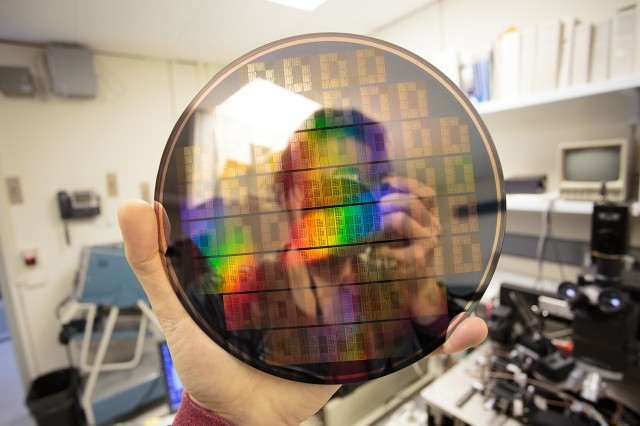 Comunicacions ràdio per a nano-xarxes i les seves aplicacions: Assolint els límits fonamentals