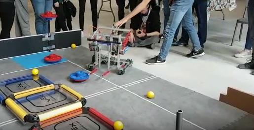 Construeix un robot amb VEX